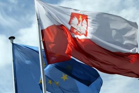 flaga_polska_ue_pap_600